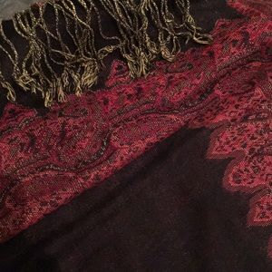 NWT burgundy and plum pashmina shawl
